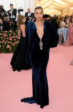 Irina Shayk attends The 2019 Met Gala Celebrating Camp: Notes on Fashion at Metropolitan Museum of Art on May 06, 2019 in New York City. (Photo by Neilson Barnard/Getty Images)