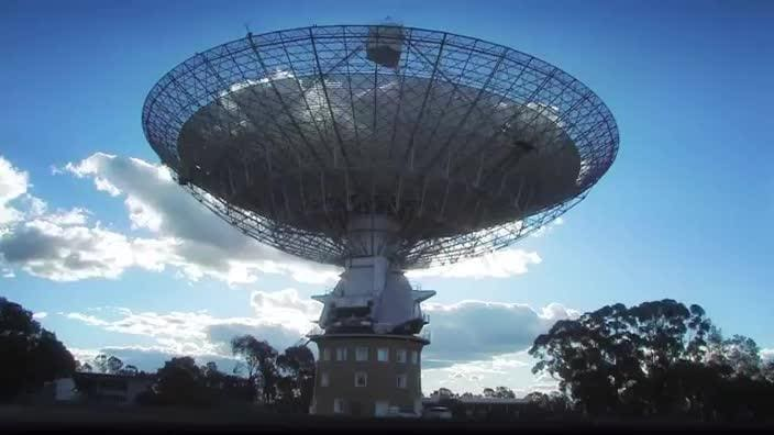 A population of fast radio bursts at cosmological distances. Video from Swinburne University.