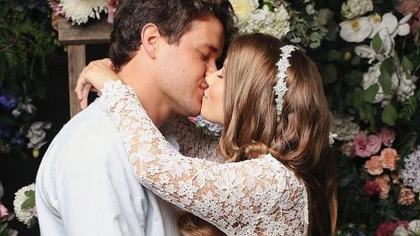 Bindi Irwin shares wedding snap