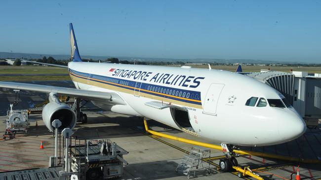 Singapore Airlines jet: Why did both engines fail?
