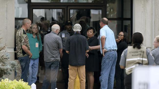 Paula Dyer's mother Kathy Jeffers, second from left, arrives with relatives and friends for the execution of Billy Ray Irick. Picture: Shelley Mayes/The Tennessean via AP
