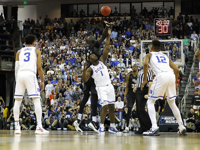 Zion Williamson looked very average next to Tacko Fall.