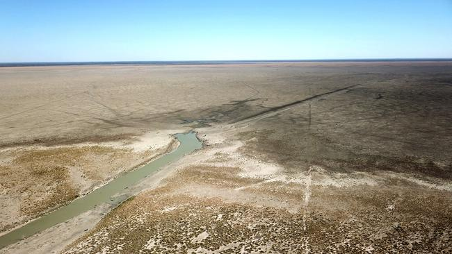 The dry river and lake bed of Lake Menindee. Mismanagement of the lakes meant flood waters from 2017 when the lakes were at 94 per cent capacity were released. Picture: Toby Zerna