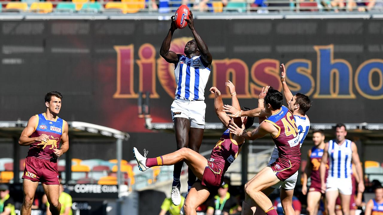 Majak Daw hauls in a big grab against Brisbane at the Gabba this season.