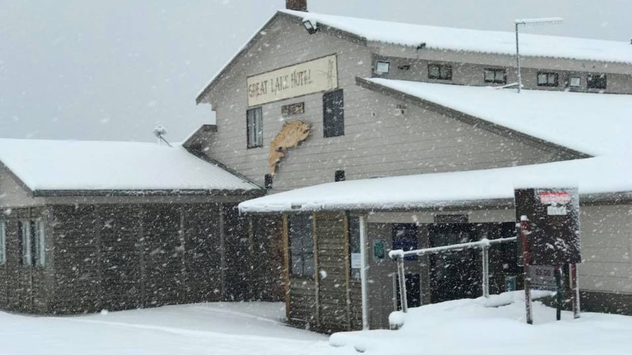 Great Lake Hotel Owner Says Goodbye To Life Of Cold Comfort The Mercury