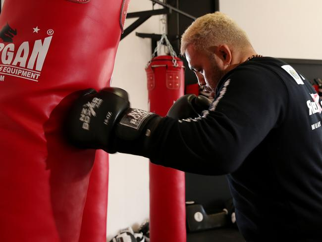 UFC heavyweights like Mark Hunt use a more old-fashioned training style.
