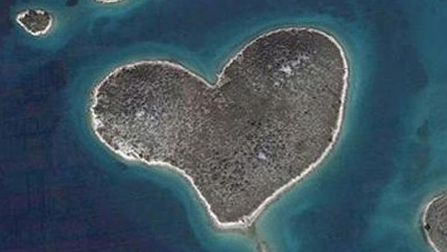 Aww, this tiny island is shaped like a heart. It's called Galesnjak.