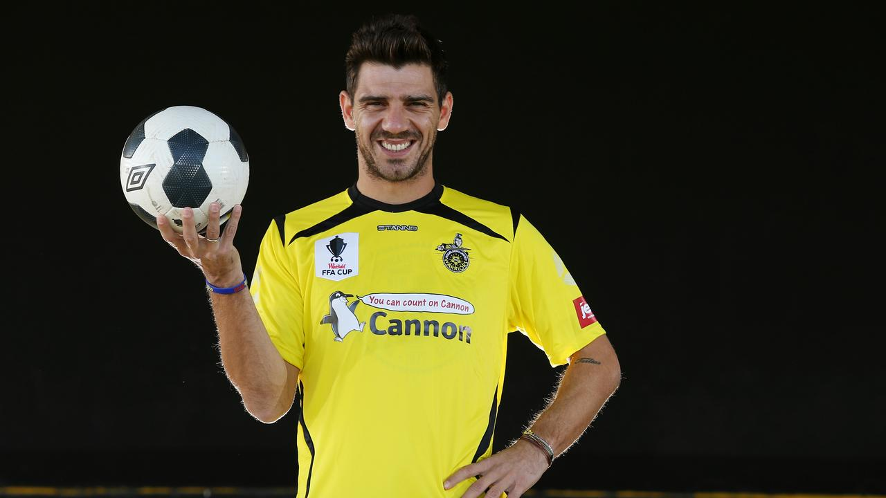 Greek international Kostas Katsouranis in a Heidelberg kit in 2015