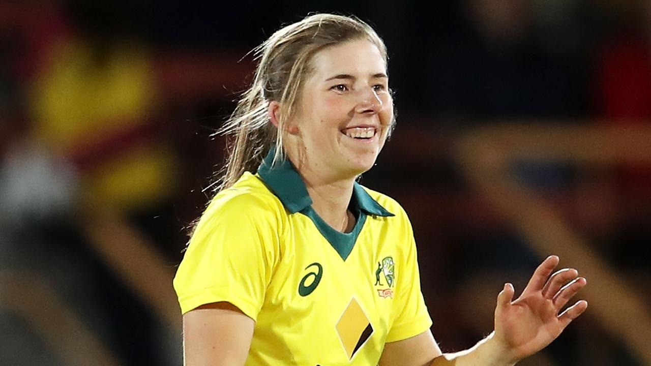 Georgia Wareham has been holding off the challenge of experienced spinner Jess Jonassen. (Photo by Mark Kolbe/Getty Images)