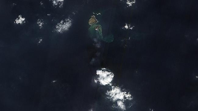 Photographic proof of a tiny new island which formed in the waters south of Tokyo in late November after a volcanic eruption. Experts think it could last for several years. Photo taken on December 18, 2013. Photo: NASA