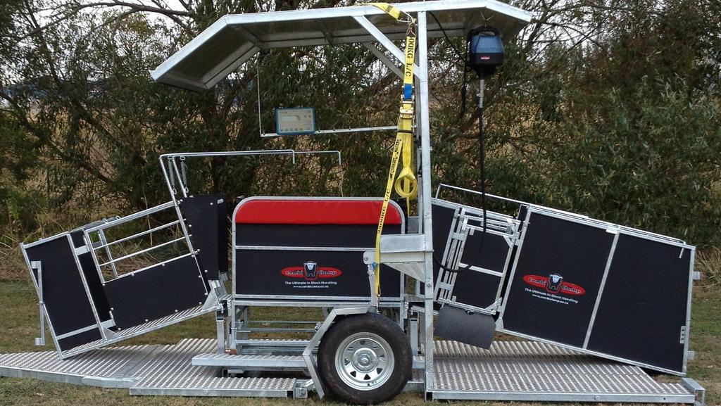 Combi Clamp sheep handler trailer won't leave you pressed
