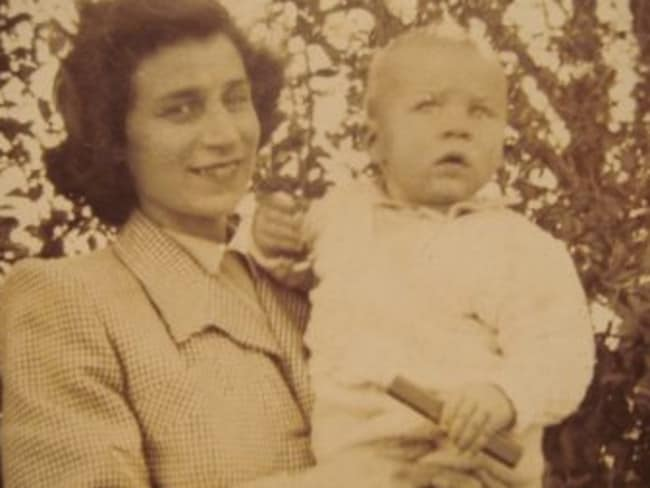 "Jo Thomson aka ""Jestyn"" and her son Robin, now believed to be the secret love child of The Somerton Man"