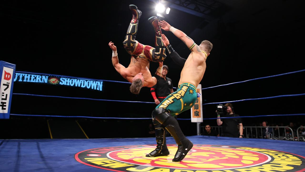Sydney's Robbie Eagles (right) wrestles NJPW Junior Heavyweight Champion Will Ospreay at this year's Southern Showdown event in Melbourne.