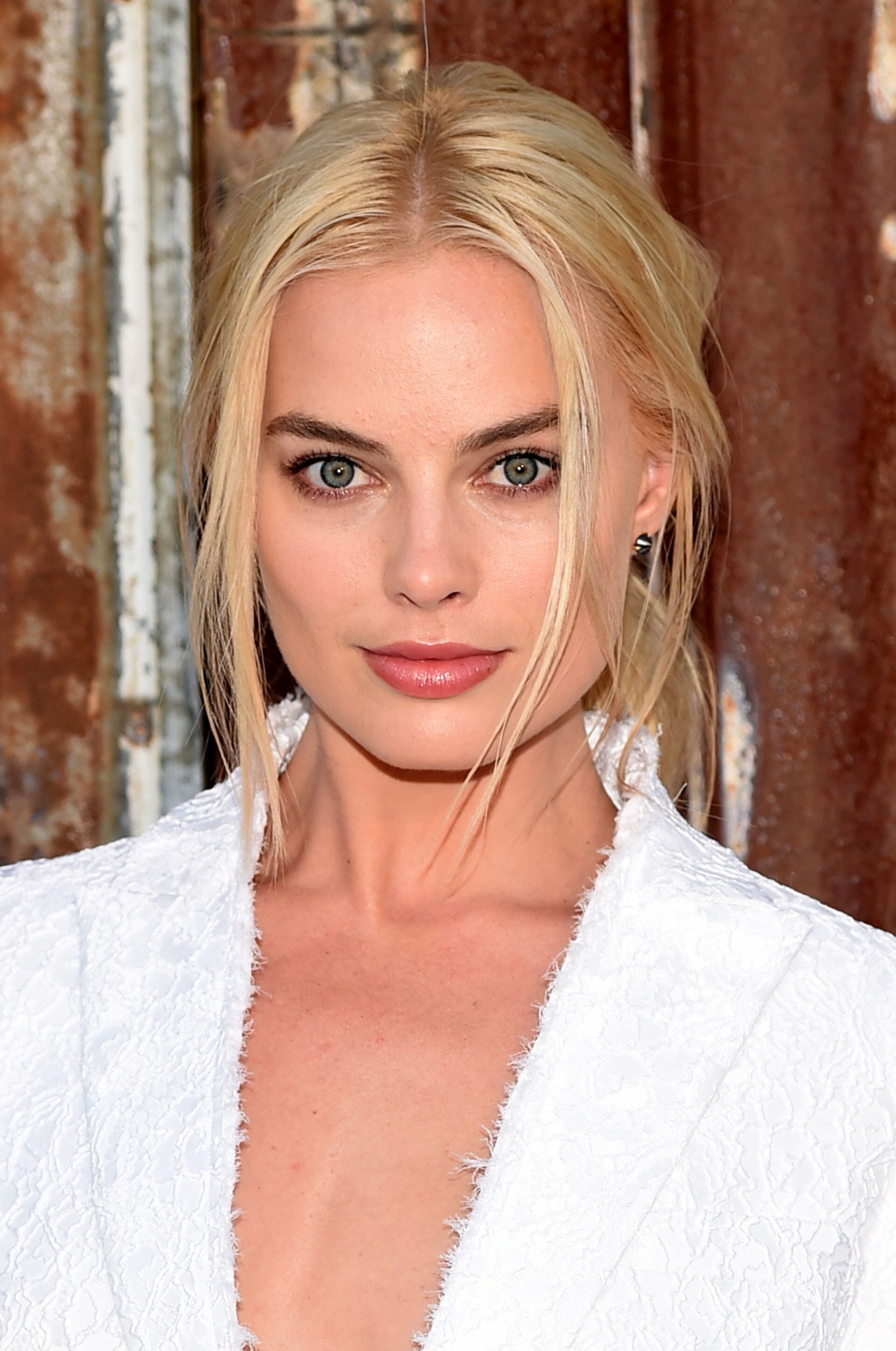 Margot Robbie Signs A First Look Deal With Warner Bros