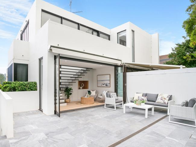 No. 3/13 Bayview St, Bronte, has extensive outdoor space.