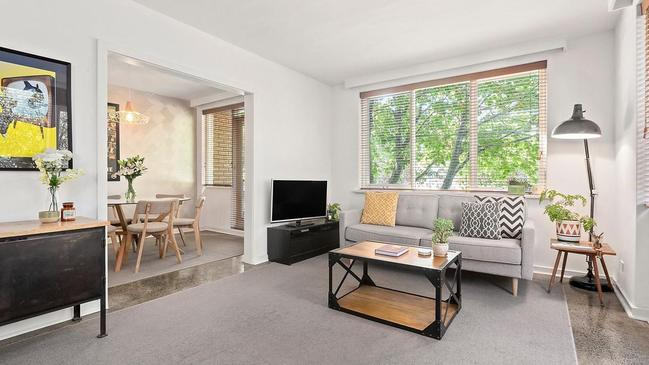 Another renovated apartment in Elwood also sold well above reserve at auction.