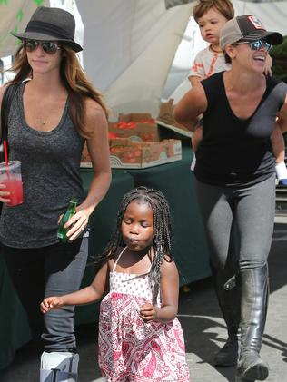 Lesbian parents ... Jillian Michaels and her partner Heidi Rhoades with their kids Lukensia and Phoenix. Picture: Splash