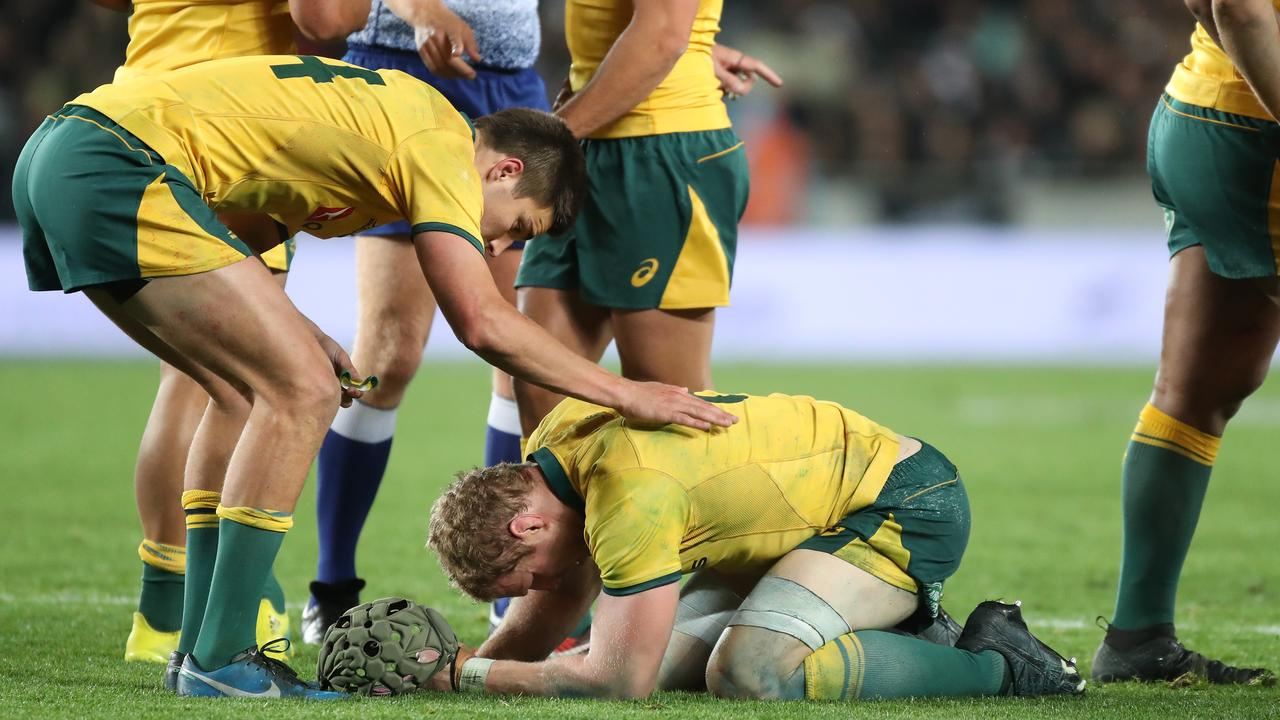 Wallabies coach Michael Cheika has revealed that David Pocock is still experiencing pain in his neck.