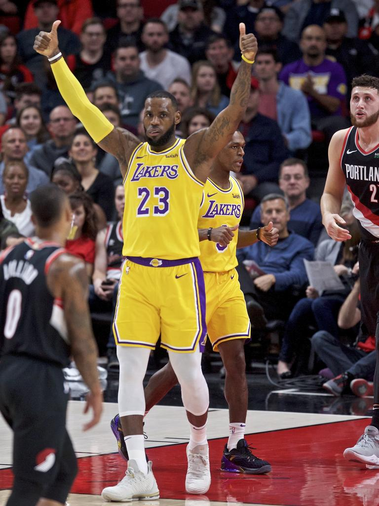 LeBron James led the Lakers to a nice win.