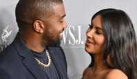 TOPSHOT - US media personality Kim Kardashian West (R) and husband US rapper Kanye West attend the WSJ Magazine 2019 Innovator Awards at MOMA on November 6, 2019 in New York City. (Photo by Angela Weiss / AFP)