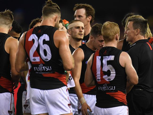 John Worsfold speaks to his players. (AAP Image/Julian Smith)