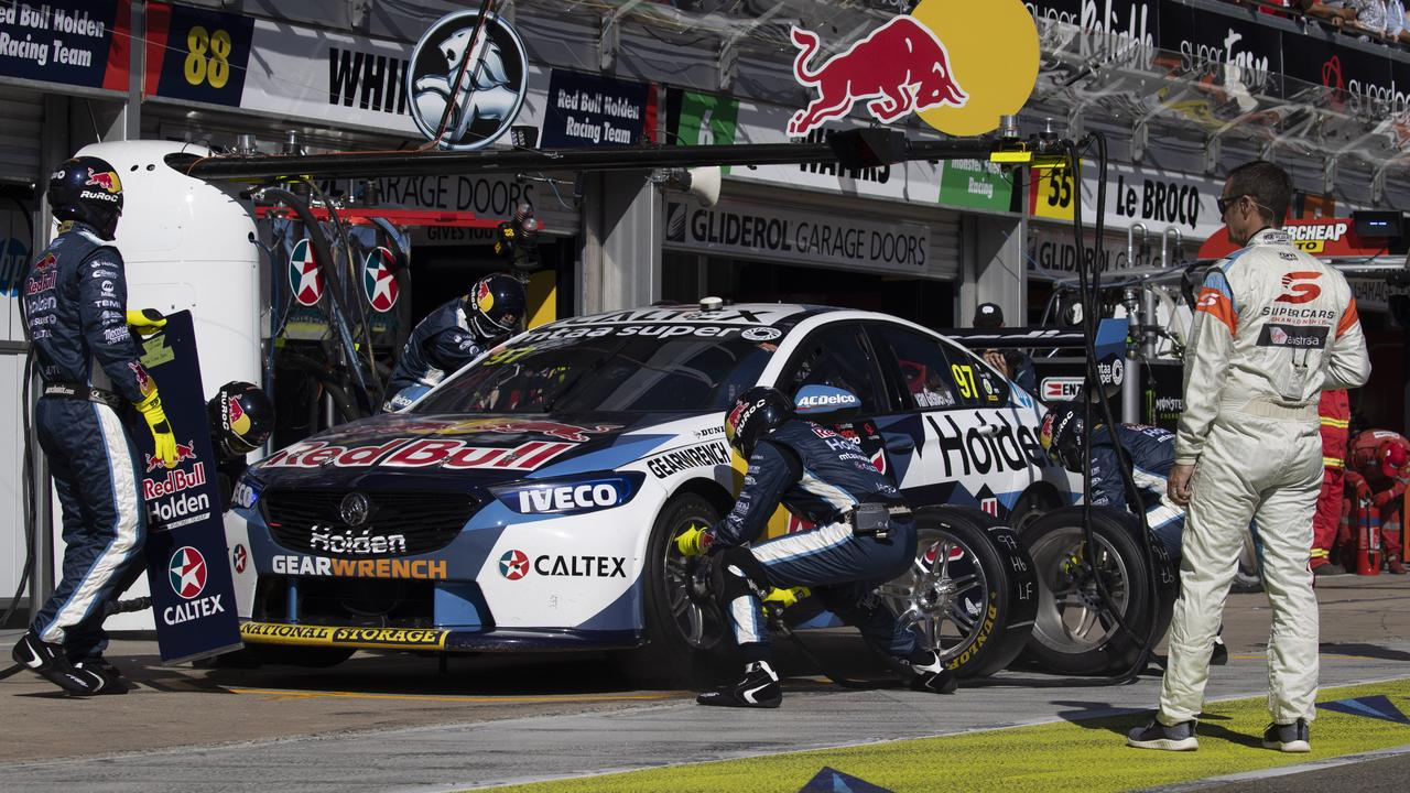 The decisive pit stop for Shane van Gisbergen in Race 2. Pic: Edge Photographics