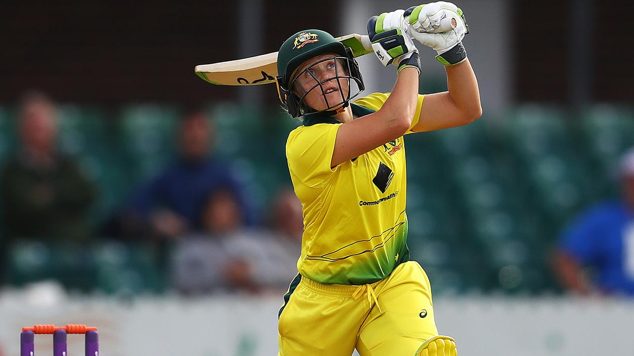 Alyssa Healy scored 66 in Australia's two-wicket win.