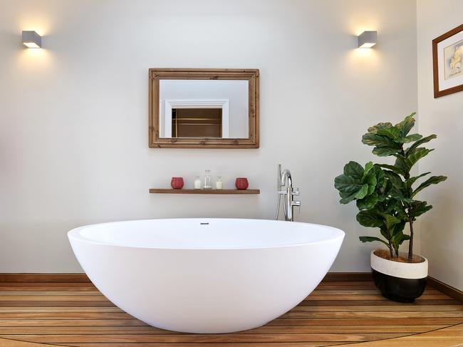We're told you can even see the view while sitting in this bath. You will have to see for yourself.