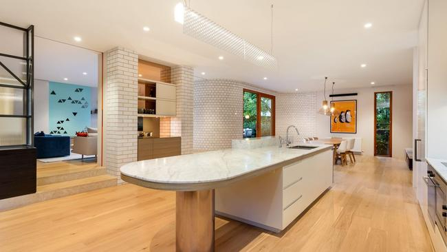 It was Melbourne's highest recorded sale price for the week.