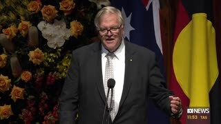 Kim Beazley delivering the eulogy at Bob Hawke's memorial.