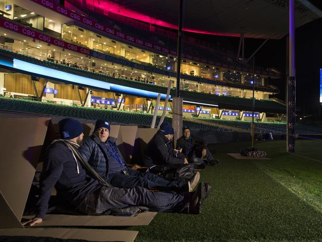 Cameron Barrie, of Bilde and George Banks of Main Industries set up at the 2017 Vinnies CEO Sleepout held at the Sydney Cricket Ground. Picture: AAP Image/Craig Golding