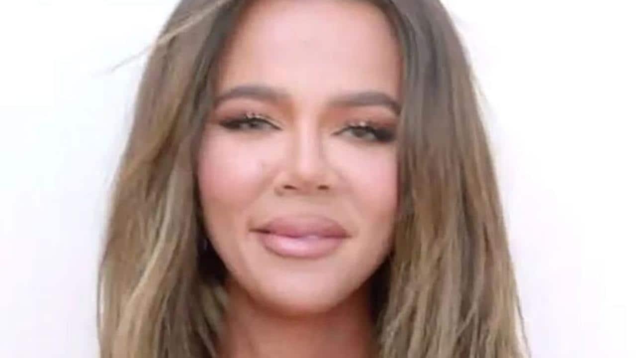 Khloe Kardashian slams troll who said she looked like an 'alien' – NEWS.com.au