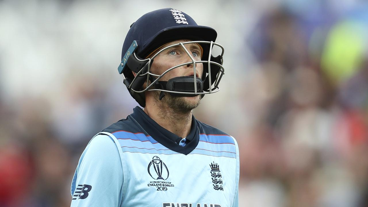 Joe Root opted not to comment on Pakistan's handling of the ball.