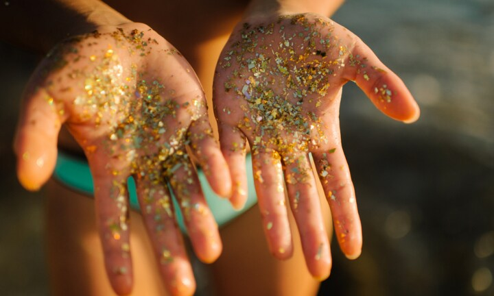 Killjoy scientists want to ban glitter