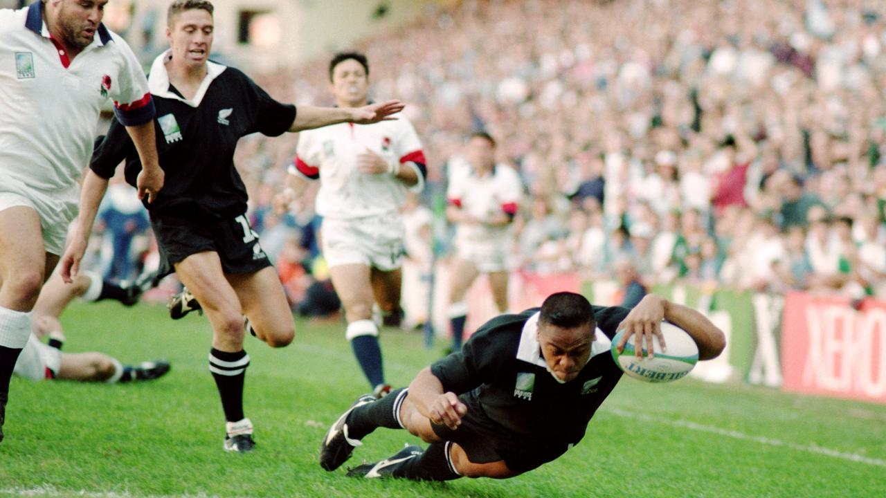 Lomu left England in his wake in a four-try performance.