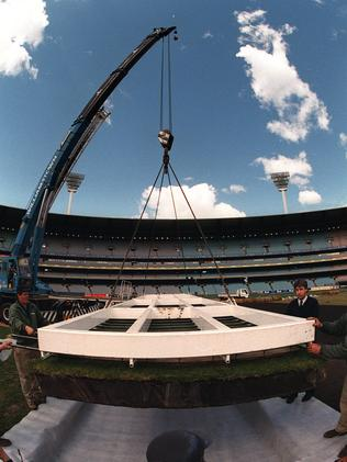 The first drop-in pitch at the MCG in 1998.