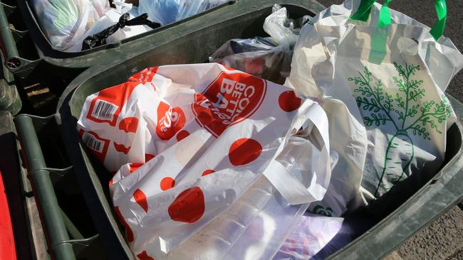 Coles continues to suffer a major backlash after back-pedalling on its plastic bag ban.
