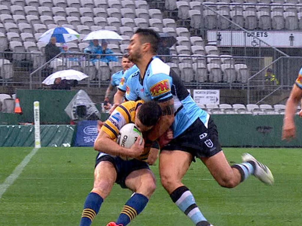 Shaun Johnson chases down Mitchell Moses and puts him into touch.