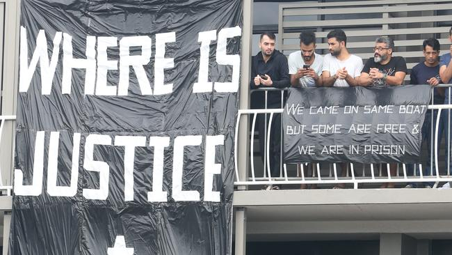 Brisbane refugee protesters defy supreme court order not to march – NEWS.com.au