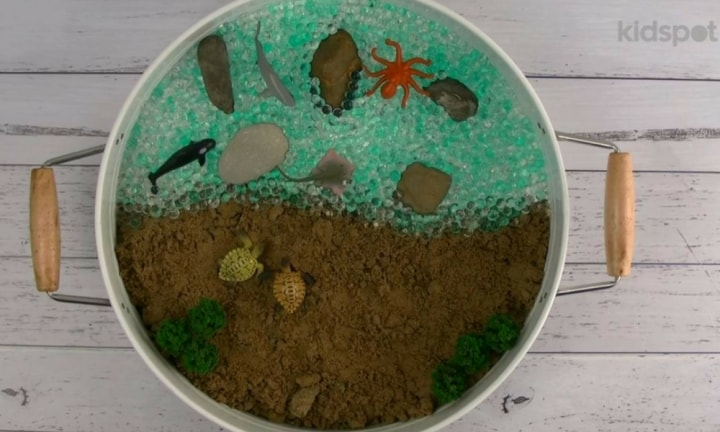 How to make a sensory play tray