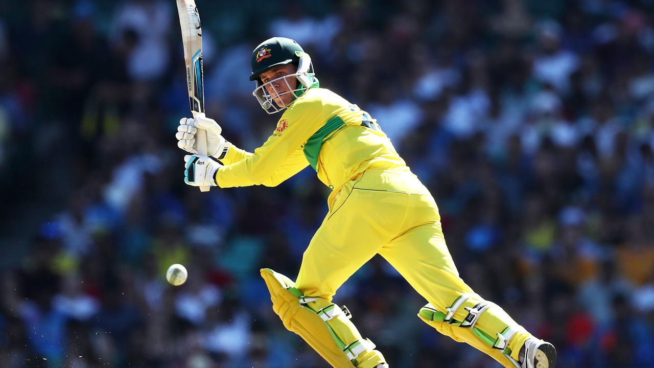 National selectors recalled Usman Khawaja and Peter Handscomb in place of power-hitters Lynn and D'Arcy Short.