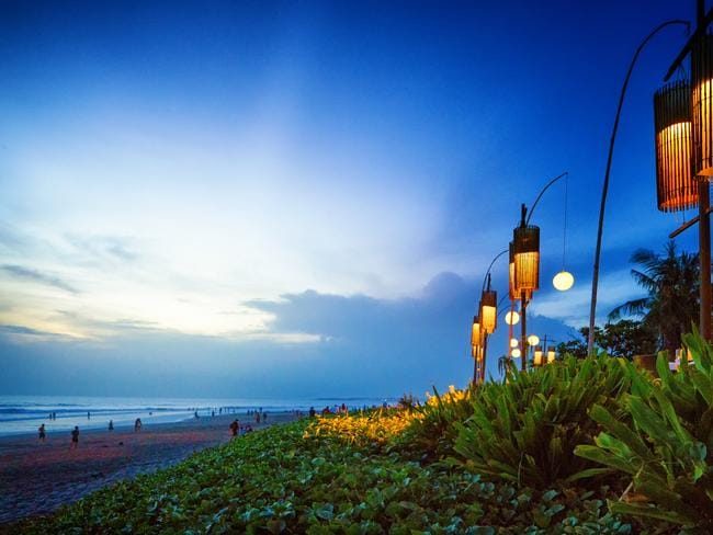 Seminyak: For a more refined palette.