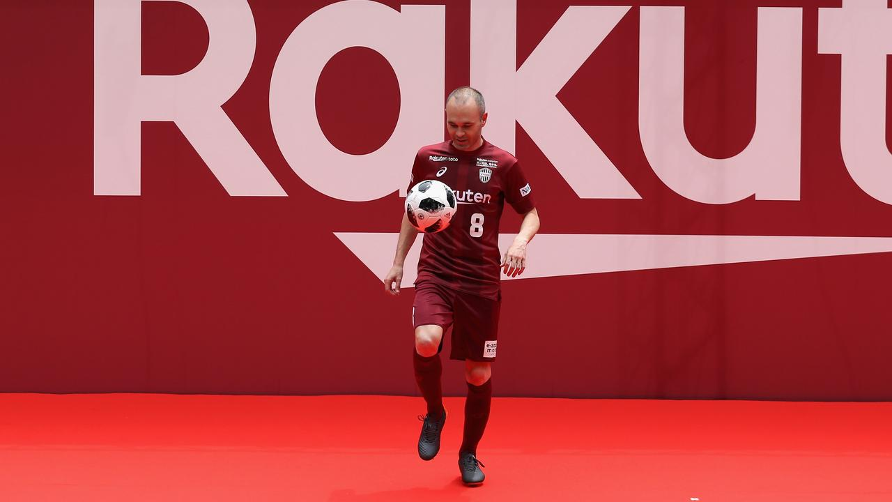 Iniesta was announced as a Vissel Kobe player before the World Cup.