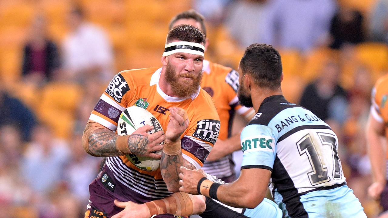 Josh McGuire takes on the Sharks' defence.