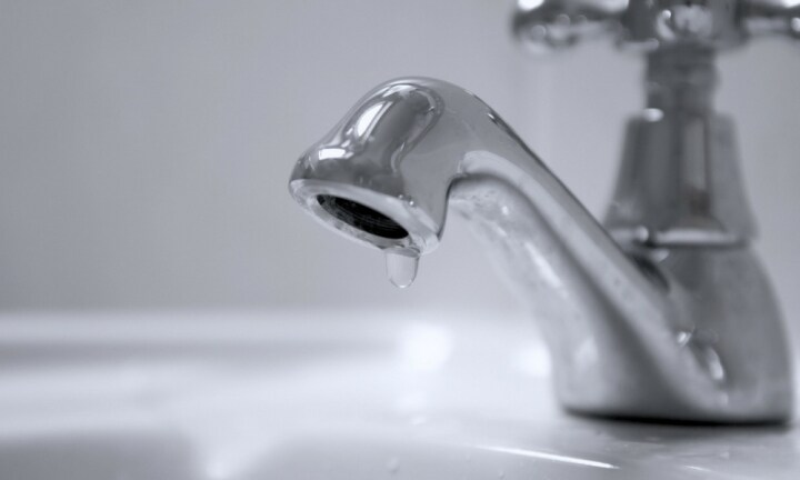 Scientists have found a way to stop a dripping tap instantly