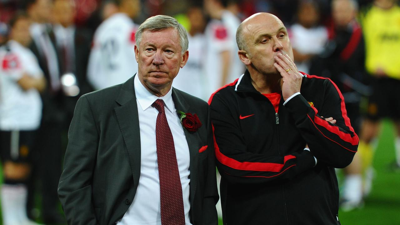 Mike Phelan, former Manchester United assistant coach, has joined the Mariners.