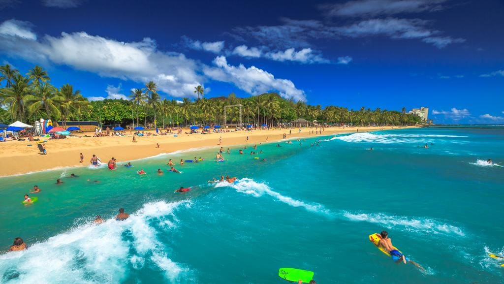 Hawaii with the family — here's how to do it right.