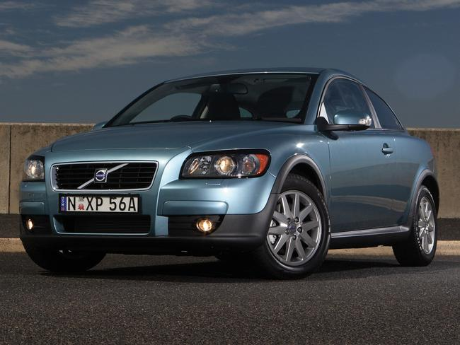 2007 Volvo C30: Maker recommends change of timing belt at 180,000km/10 years
