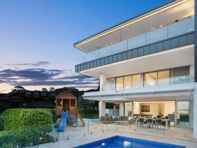 The Shens bought 9 Vaucluse Rd, Vaucluse for $13 million