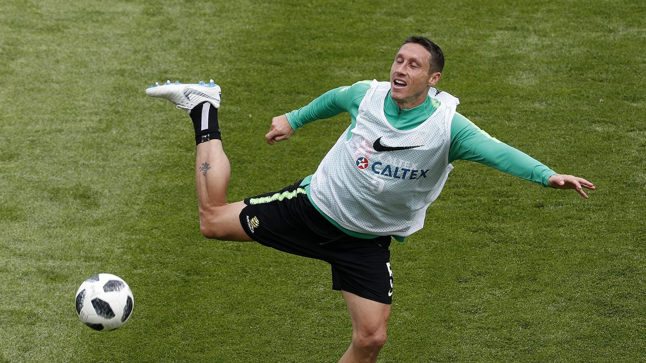 Mark Milligan trains with the Socceroos